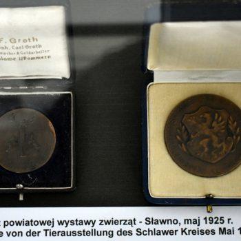 Medale z powiatowej wystawy zwierząt - Sławno 1925