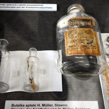 Butelki z apteki H.Müller - Sławno