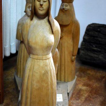 """Rzeźba autorstwa Edwarda Pupla 1992 r """"Palenie czarownicy w Sławnie"""""""