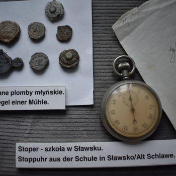 Ołowiane plomby młyńskie, stoper ze szkoły w Sławsku.