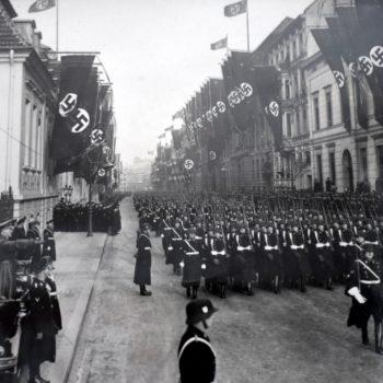 Pamiątkowe zdjęcie żołnierza SS.