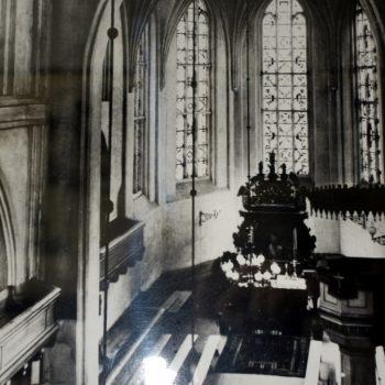 Wnętrze Kościoła Mariackiego ( widok na prezbiterium)