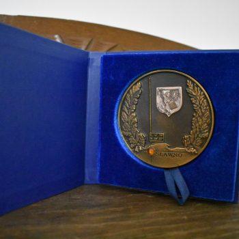 Medal okolicznościowy z okacji 100 lat Urzędu Miasta Sławno